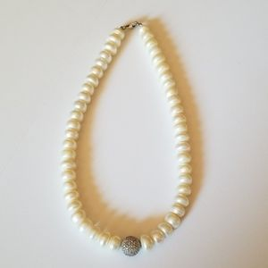 Jewelry - Gorgeous Pearl Necklace!!